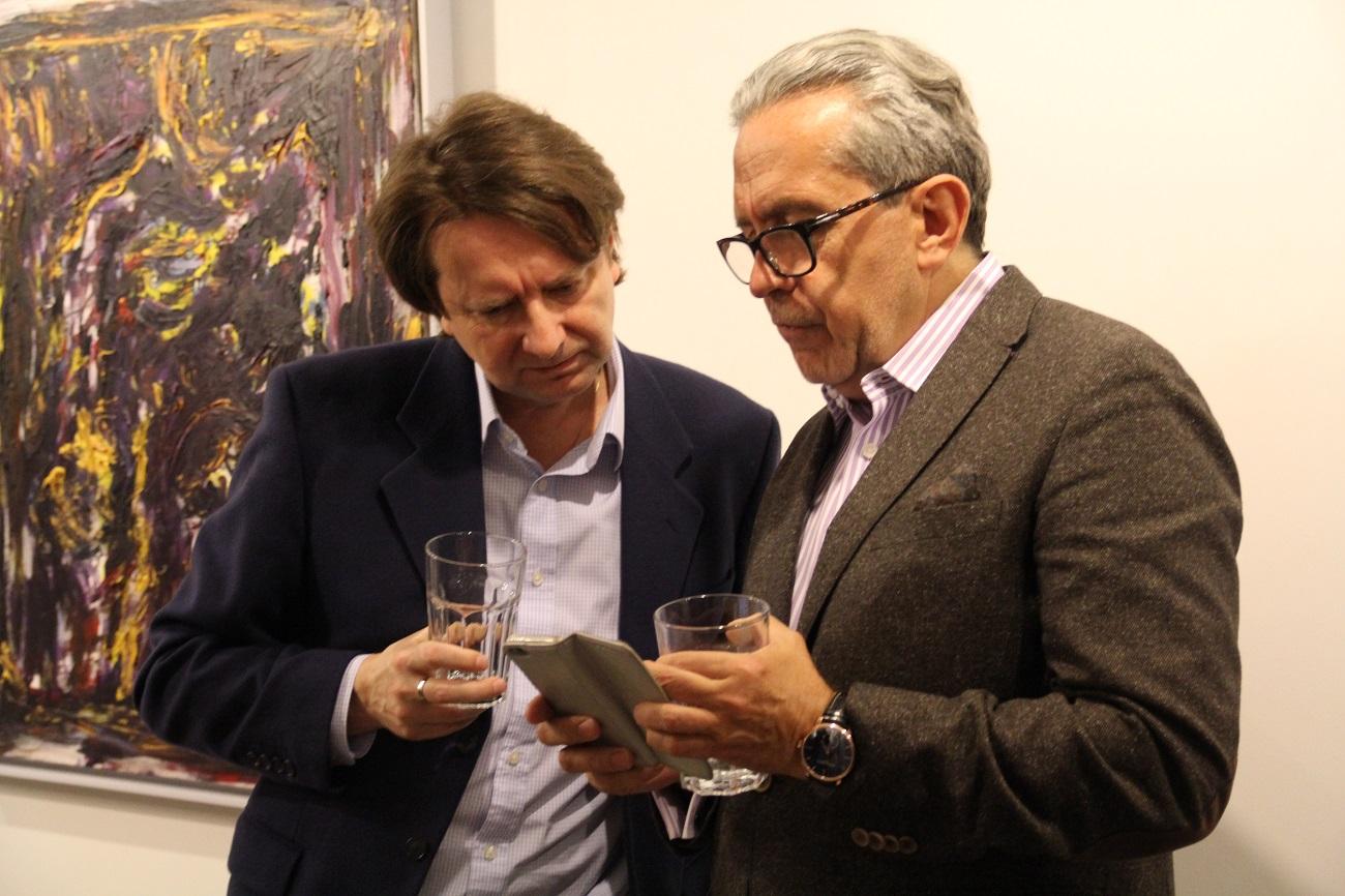 Jacek Sempoliński. Malarstwo. Wernisaż w galerii spa spot, 25 marca 2017 roku. Od lewej Marcin Pastwa i Piotr Sandecki.