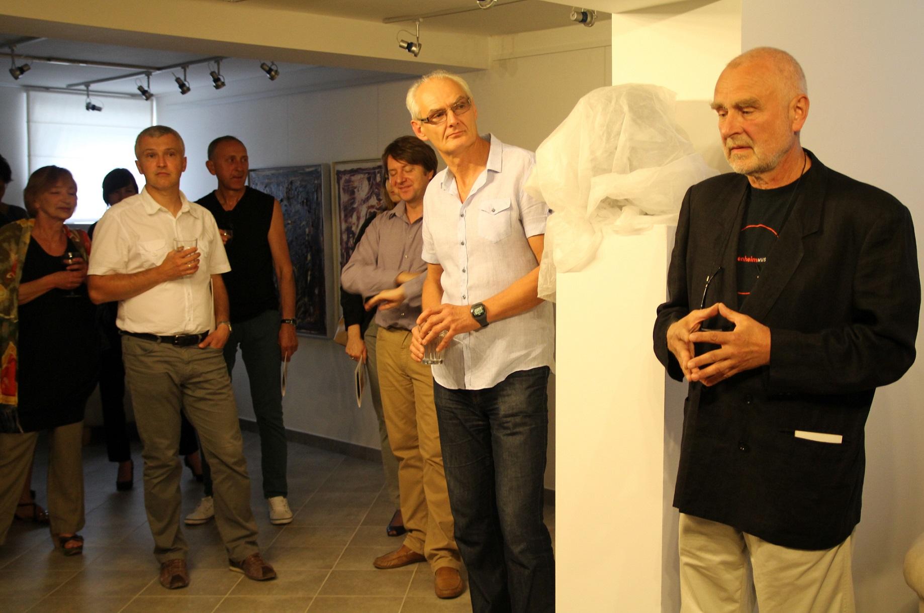 Odsłonięcie popiersia Jacka Sempolińskiego w galerii spa spot w Nałęczowie, 31 sierpnia 2013 roku.