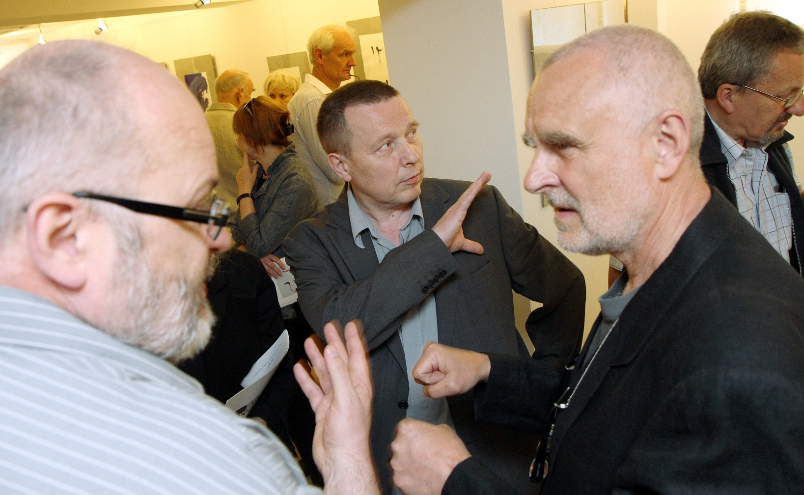 """Wernisaż wystawy """"Jacek Sempoliński. Rysunki najnowsze"""" w galerii sztuki spa spot, maj 2011 roku."""