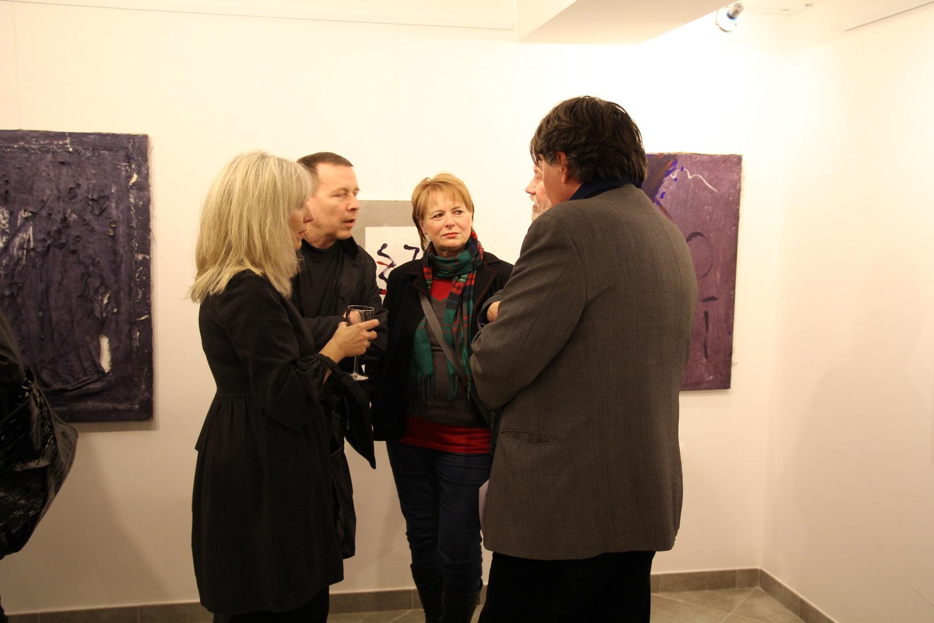 """Wernisaż wystawy """"Jacek Sempoliński. Obecność"""". Galeria sztuki spa spot w Nałęczowie, grudzień 2012 roku."""